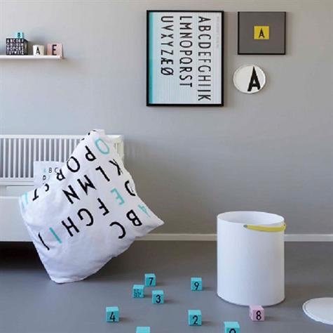 Melanin service-sengelinned-klodser og meget andet med Arna Jacobsen Typografi